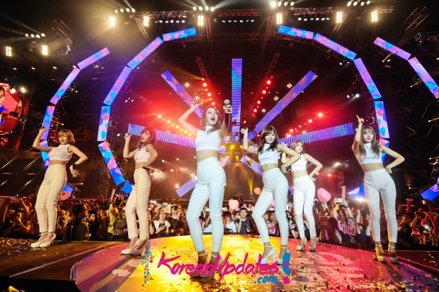 Apink performing at MTV World Stage Malaysia 2015 on 12 Sep Pic 2 (Credit - MTV Asia & Kristian Dowling)