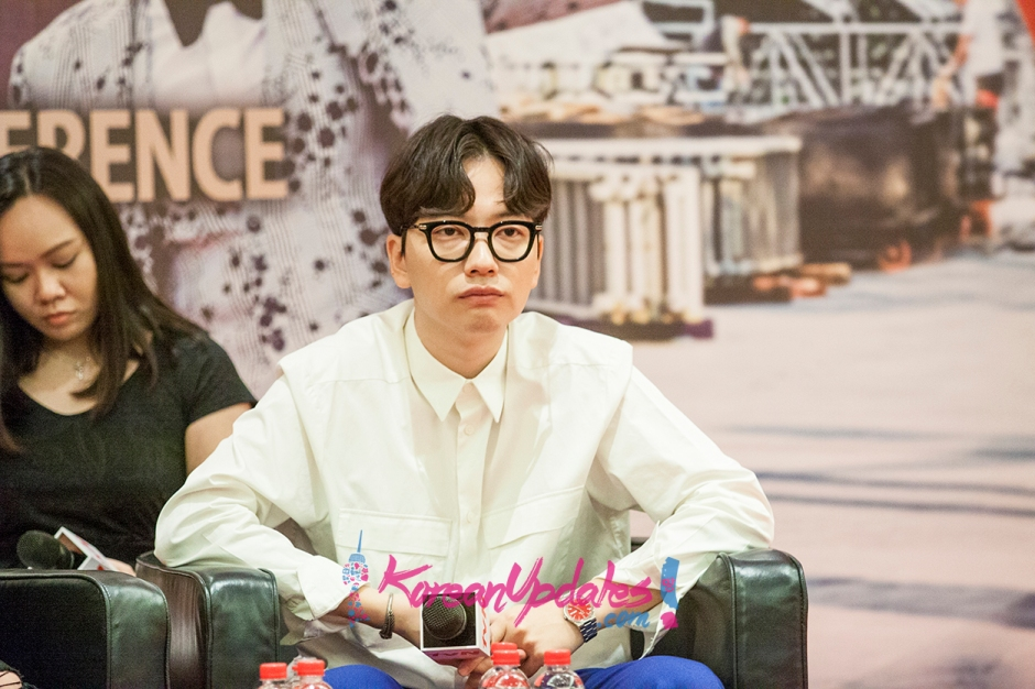 entourage-press-conference-in-singapore-koreanupdates-06