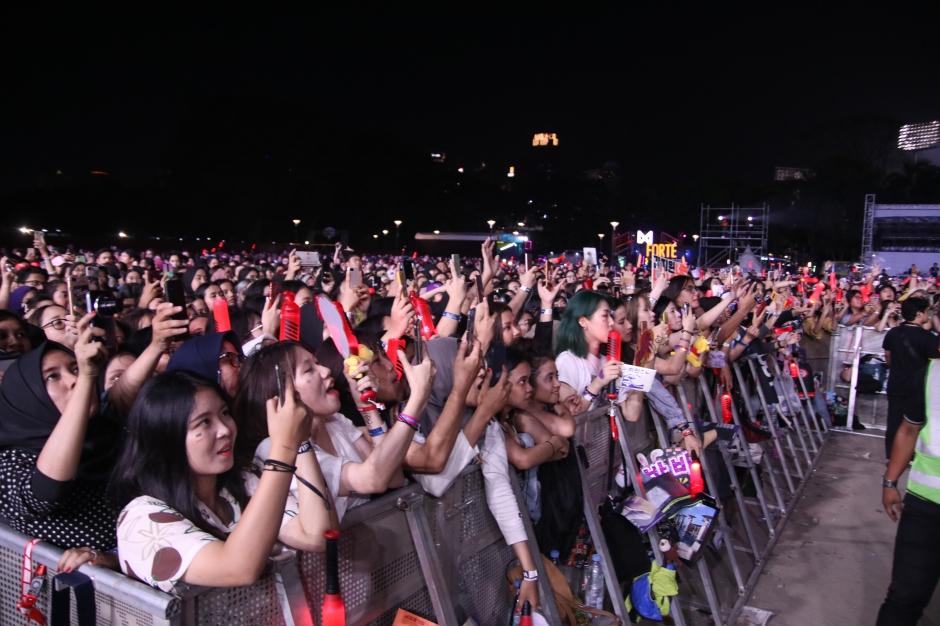 ASS-Crowd